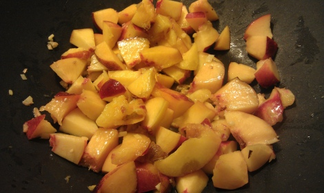 Nectarines and ginger cooking