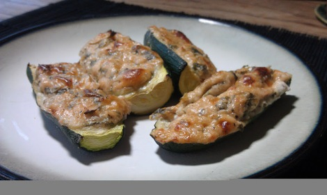 Cream cheese stuffed jalapeno substitute with zucchini (photo)