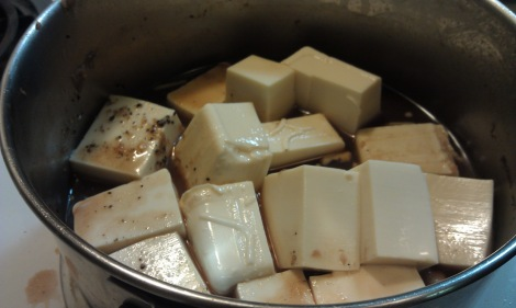 Cook sukiyaki tofu separately for soy-free allergies at the table (photo)