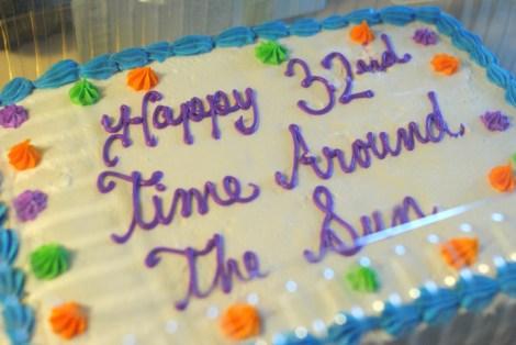 Allergy-unfriendly flat cake for the masses, AKA backup plan #1. (photo)